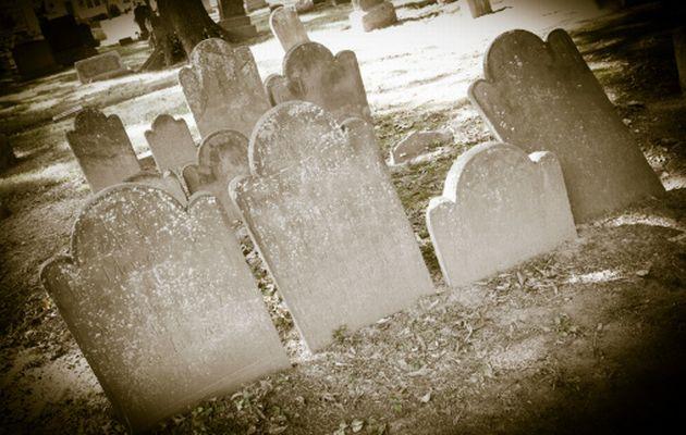 Graveyard+cemetery+graves